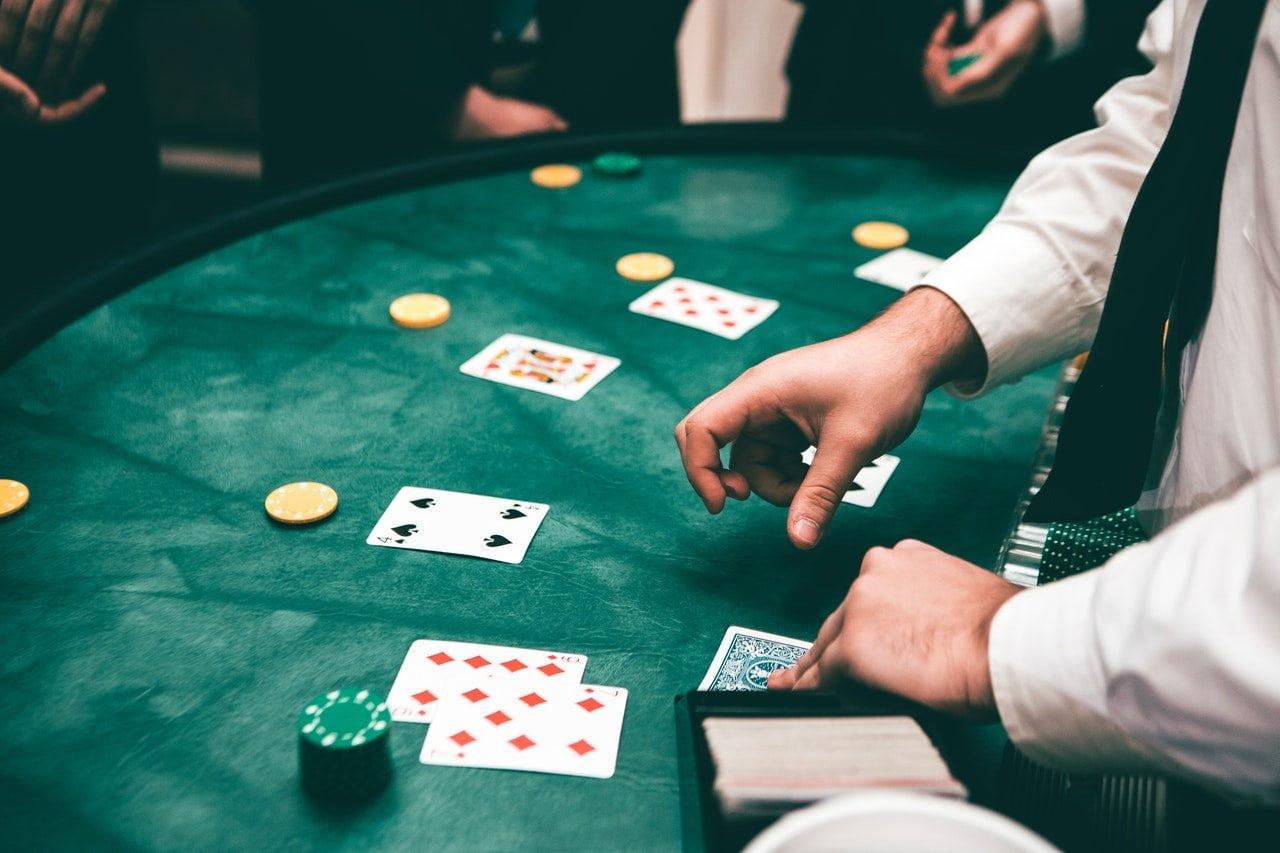 Hoe wordt je rijk? Niet gokken